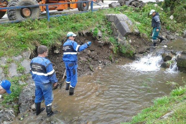 Vodné toky musia čistiť a brehy spevňovať