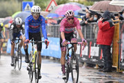 Joao Almeida (vpravo) na Giro d'Italia 2020.