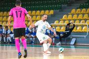 Dlhoročná opora Futsal Teamu Levice Matúš Budovec odohral prvé dva zápasy avoboch sa dokázal aj gólovo presadiť. Vynechal len zápas vPrievidzi.