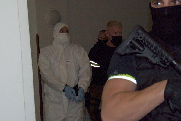 Jeden z obvinených Holanďanov na nitrianskom súde.