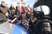 Protesty v Poľsku pokračovali už tretí deň.
