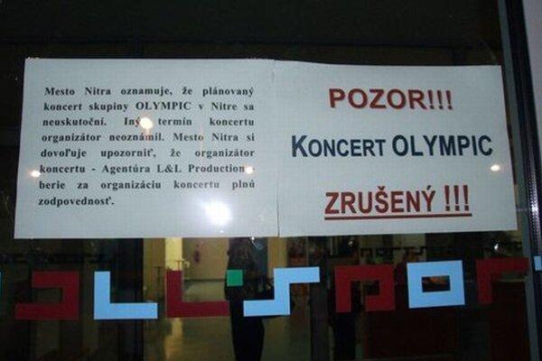 Koncert sa mal konať v mestskej športovej hale. Na poslednú chvíľu bol zrušený.