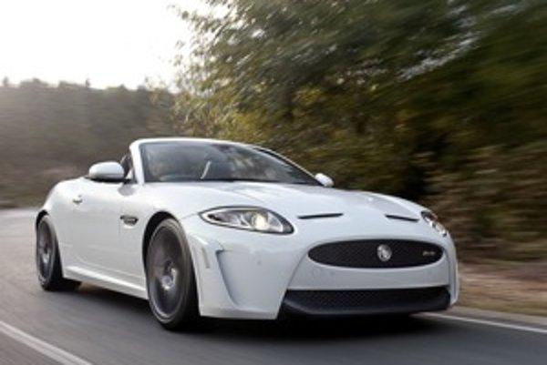 Vyskúšali sme technický skvost Jaguaru. V prenesenom význame má táto šelma okrem rýchlosti a presného ovládania hrozivý rev.