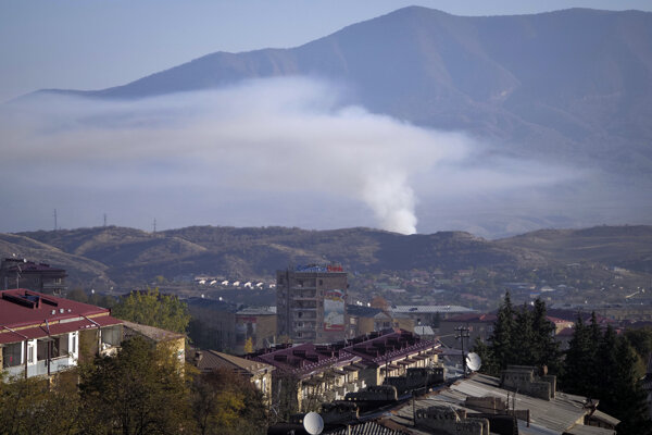 Azerbajdžanské ostreľovanie neďaleko Stepanakertu.