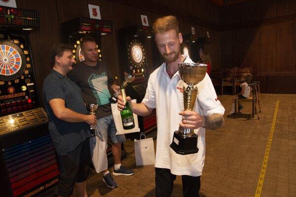 Marek Bača obhajuje prvenstvo.