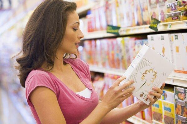 Farbivá, konzervanty a arómy. Výrobca musí všetky prídavné látky uviesť na etikete.