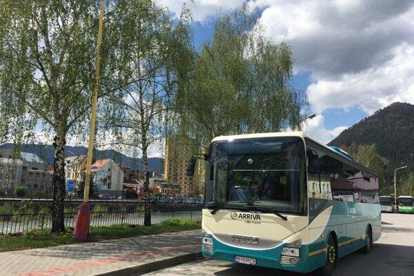 Od dnes jazdia autobusy ako cez prázdniny.