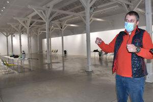 Riaditeľ K13 - Košické kultúrne centrá Tomáš Petraško hovorí, že im chýba už len materiál.