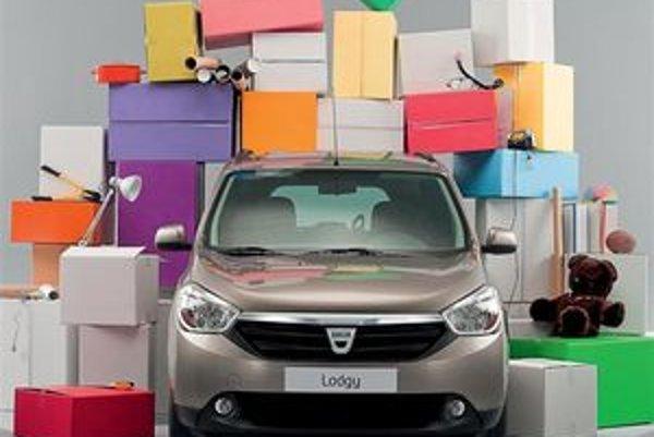 Základnou výhodou Dacie Lodgy je veľký vnútorný priestor a jednoduchosť obsluhy.