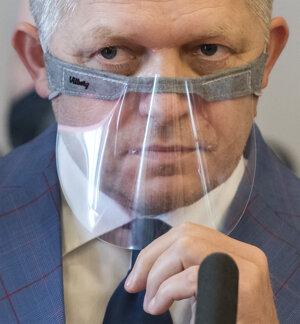 Predseda strany Smer Robert Fico.