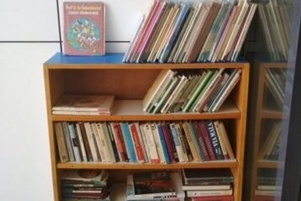 Knihy sú dostupné pre verejnosť.