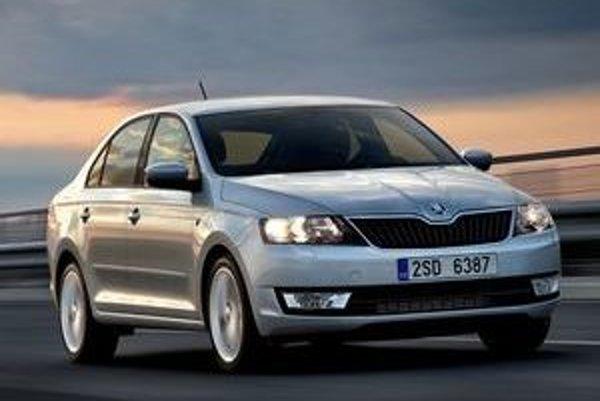 Škoda Rapid vyzerá v skutočnosti menšia, než na obrázkoch. Napokon automobilka ani netvrdila, že ide o extrémne veľké auto, ale prvé fotky vyvolali ten dojem.