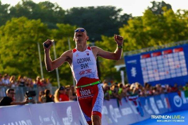 Dobeh šťastného svetového šampióna na majstrovstvách sveta vo švajčiarskom Lausanne.
