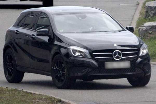 Skôr Crossover ako SUV pripravuje Mercedes na platforme triedy A s označením GLA.