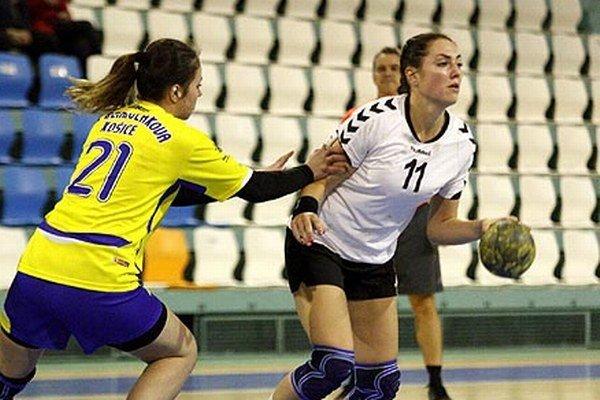 Kristína Kisová prispela k výhre žien UDHK Nitra 11 gólmi.