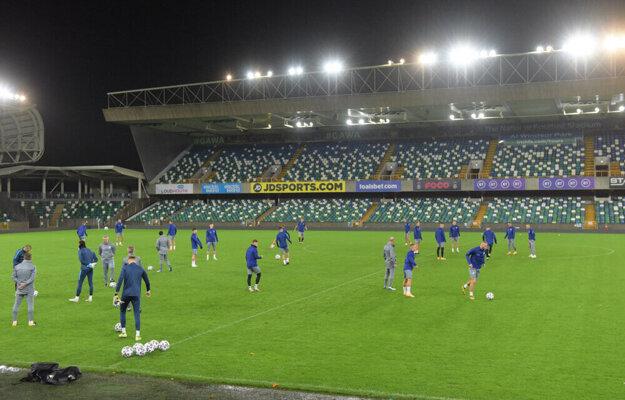 Slovenský tím na štadióne Windsor Park.