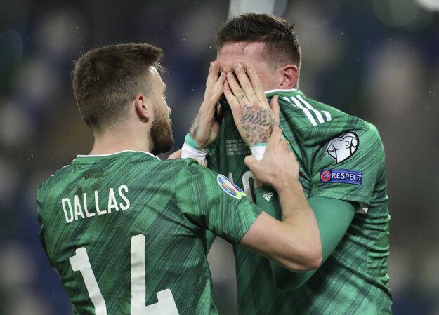 Kyle Lafferty plače po zápase Severné Írsko - Slovensko, baráž EURO 2020.