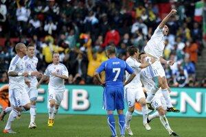 Radosť Róberta Vitteka z gólu v pamätnom zápase proti Taliansku na MS 2010.