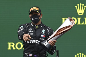 Lewis Hamilton získal siedmy titul majstra sveta v F1.