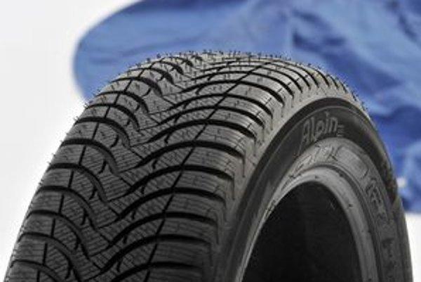 Hĺbka dezénu je pre funkciu pneumatiky podstatná. Michelin uviedol nový typ dezénu Alpin A4, ktorý umožňuje ísť vodičovi o 10% rýchlejšie ako pri predchádzajúcej pneumatike a o päť percent skracuje brzdnú dráhu.