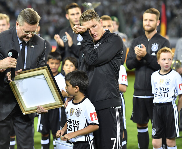Bastian Schweinsteiger sa v roku 2016 rozlúčil s reprezentačnou kariérou.