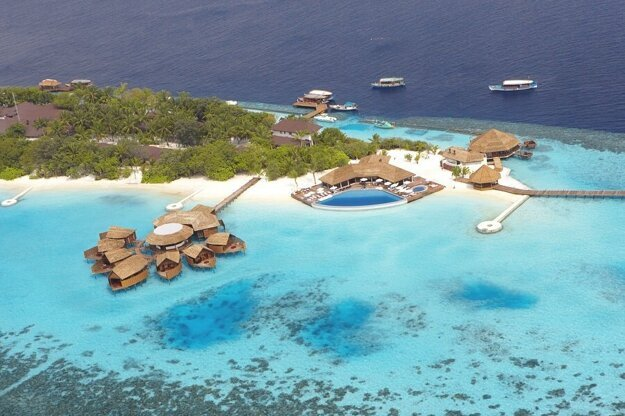 Lily Beach Resort & Spa Huvahendhoo 5*