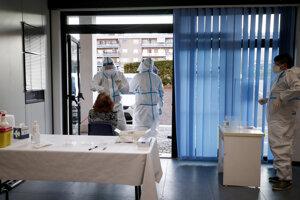 Testovanie na koronavírus v Ríme.