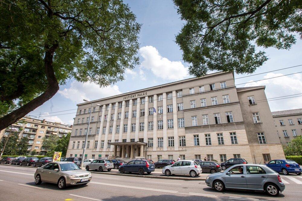 V Bratislave má vzniknúť jeden mestský súd, riešiť bude treba aj jeho sídlo. Justičný palác nebude stačiť.