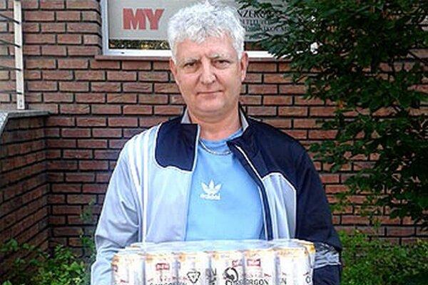 Kartón piva Corgoň si z redakcie odniesol Roman Hradecký z Nitry, víťaz 8. kola.