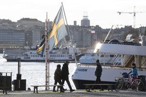 Švédi museli svoj život obmedziť len minimálne.