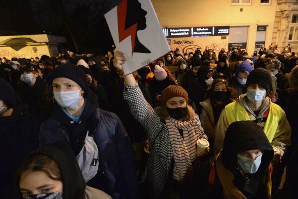 Protesty proti sprísneniu interrupcií v Poľsku.