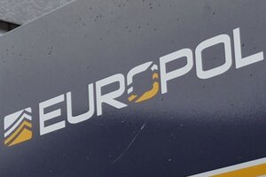 Logo európskeho policajného úradu Europol v Haagu.