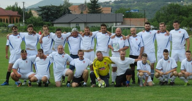 Dela 10 team, ktorý sa každoročne schádza na memoriáli M. Balka.