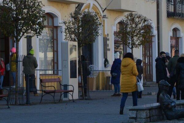 Slovenský červený kríž – územný spolok Topoľčany aj naďalej od pondelka do soboty vykonáva odbery antigénovými testami vGalérii mesta Topoľčany.