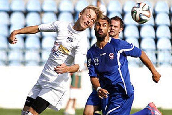 Juniori Nitry porazili rezervu ViOnu 2:0. V popredí Bartošek a Gregora.