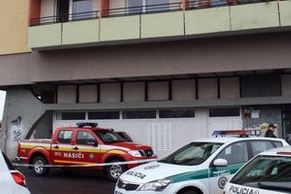 Hasičské auto našli po niekoľkých hodinách zaparkované pred panelákom v Leviciach.