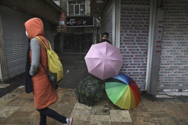 Predavač dáždnikov v Teheráne.