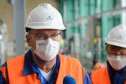 Minister hospodárstva Richard Sulík (SaS) počas brífingu po pracovnej návšteve 3. bloku jadrovej elektrárne Mochovce.