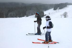 Na Donovaloch začali lyžiarsku sezónu už v piatok.