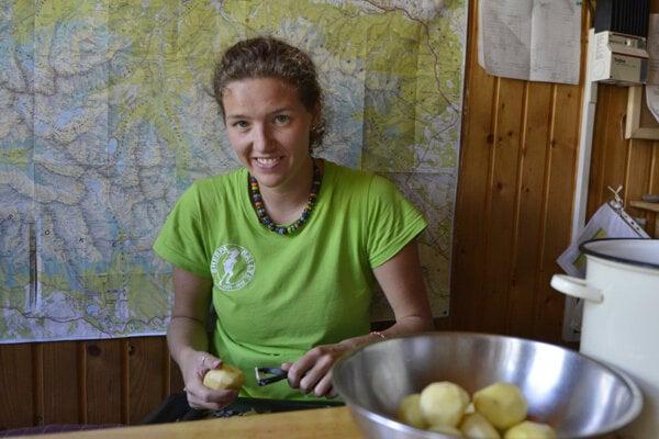 Bývalá nájomníčka Zbojníckej chaty a najmladšia tatranská chatárka Dominika Dejczöová (33) tam pôsobila päť rokov.