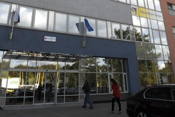 Úrad práce na Staničnom námestí v Košiciach.