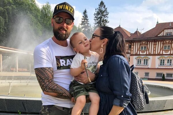 Vlado Mudrík s manželkou Petrou asynom Brunom.