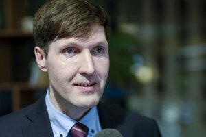 Predseda pravicovo-populistickej a euroskeptickej Estónskej konzervatívnej ľudovej strany (EKRE) Martin Helme.