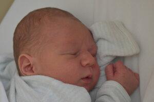 Andrej Pavlačka (3270 g, 49 cm) sa narodil 5. decembra Anne a Andrejovi z Nemšovej.