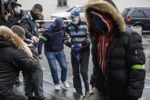 Ruska zatkli za neúčasť na pojednávaní.