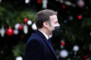 Francúzsky prezident Macron má koronavírus.