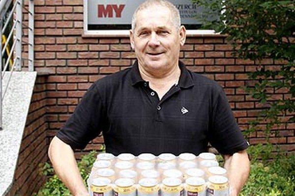 Kartón piva Corgoň od spoločnosti Heineken si z redakcie odniesol víťaz 1. kola František Dedič z Nitry.
