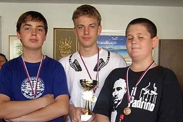 Traja najlepší v kategórii do 15 rokov.