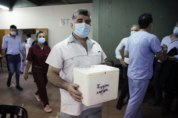 Argentína začala očkovanie ruskou vakcínou Sputnik V.