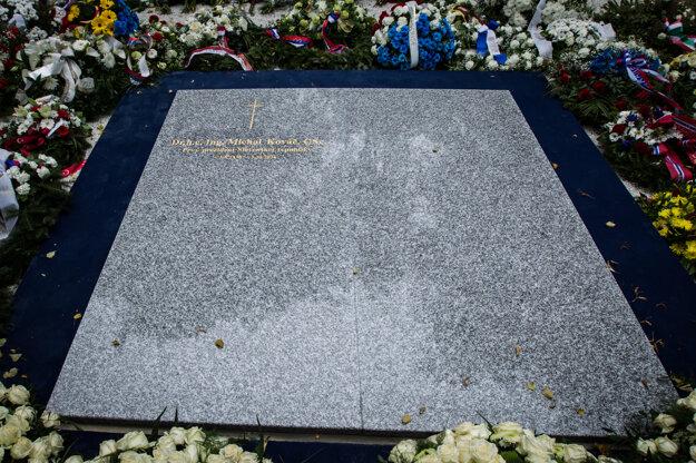Hrob exprezidenta Michala Kováča na Ondrejskom cintoríne v Bratislave.